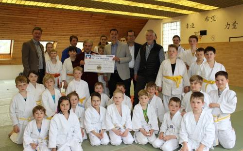 Spendenübergabe  1. JJJKC Haßloch 2016
